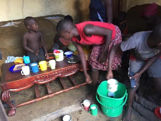 39 жасында 38 баланы дүниеге әкелген угандалық жалғызбасты әйел