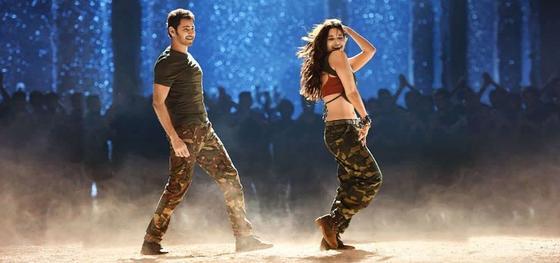 Мужчина и женщина танцуют. Кадр из фильма «Никто не сравнится с тобой»