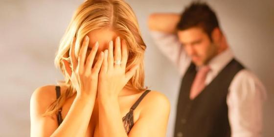 Разведенная девушка обманным путем вышла замуж за мужчину младше ее
