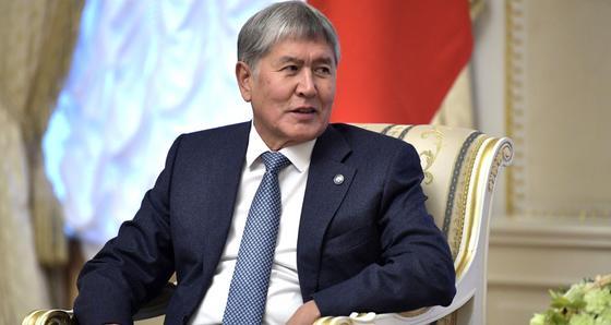 Атамбаеву и его сторонникам вручили обвинительные акты
