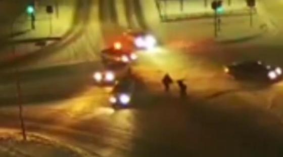 Драка после аварии на перекрестке попала на видео в Павлодаре