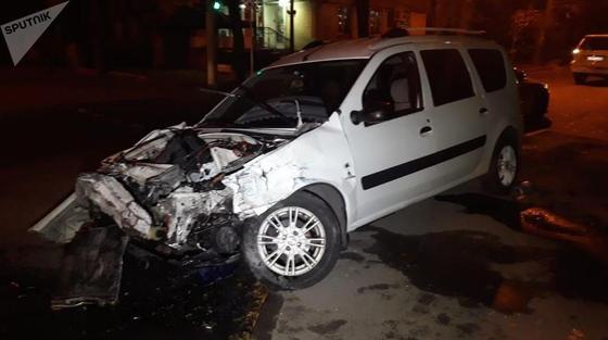 Шесть человек пострадали в массовой аварии в Алматы (фото)