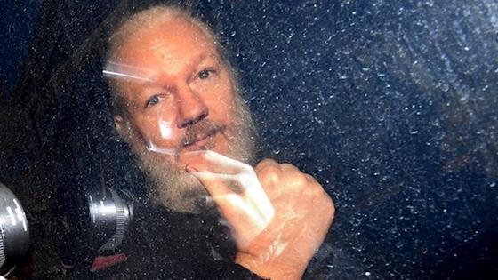 Ассанжу предъявлены новые обвинения в США. Ему грозит до 180 лет тюрьмы