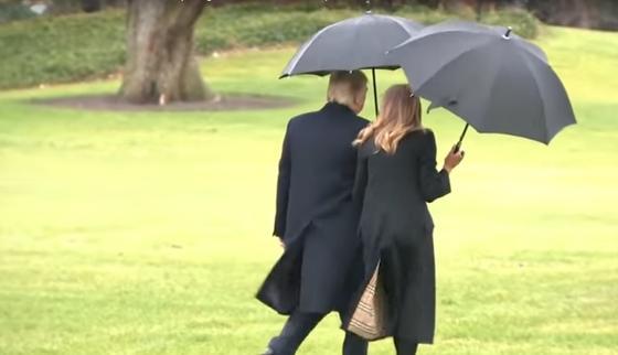 СМИ: Дональд Трамп забыл свою жену перед вылетом (видео)
