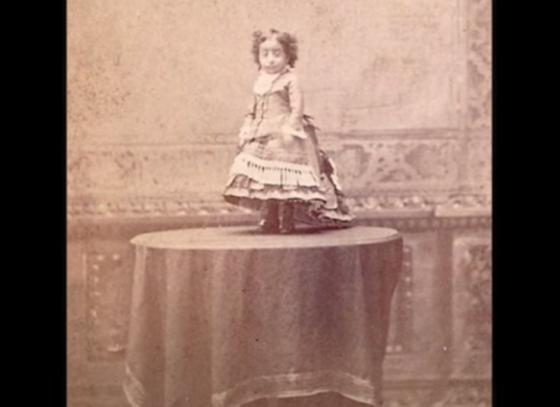 Девушка-лилипут. Лусия Сарате