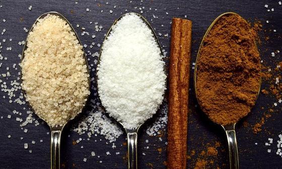 Сахар и сахарозаменители: польза и опасность