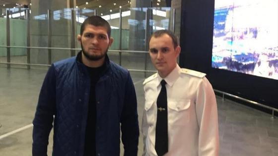Нурмагомедова приняли за боевика и задержали в московском аэропорту