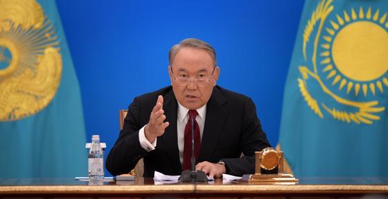 Назарбаев – правительству: Вы просто трусы