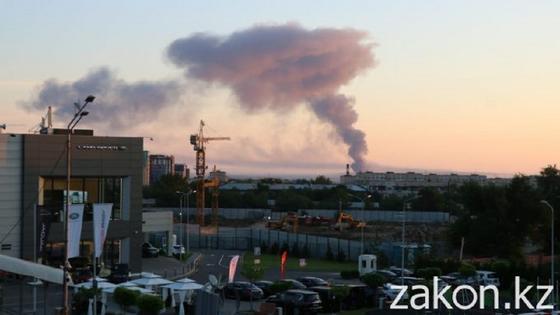 Столб дыма над городом