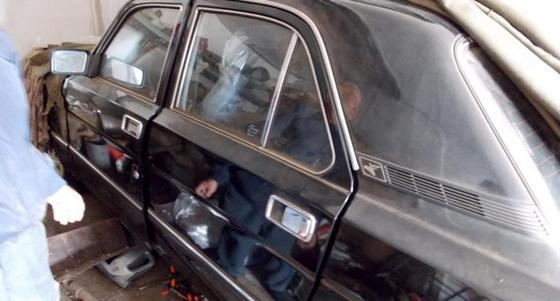 """Раритетная """"Волга"""" 20 лет простояла """"в целлофане"""" в гараже в Костанае"""