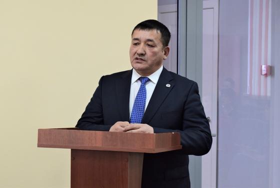 Акима в Акмолинской области наказали за корпоратив в день траура