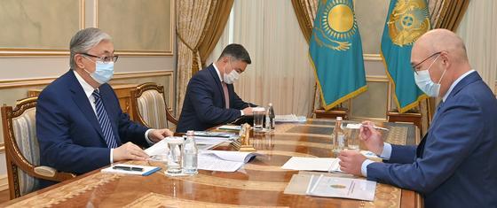 Касым-Жомарт Токаев и Кайрат Келимбетов на встрече в Акорде