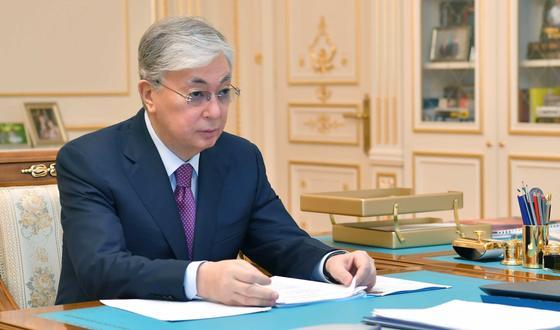 Тургумбаев доложил Токаеву о ситуации в стране после введения режима ЧП