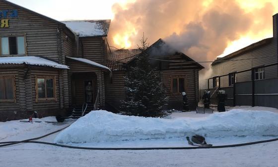 Банный комплекс сгорел в Караганде (фото)