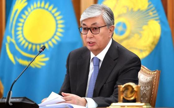 Токаев объяснил свое решение списать долги по кредитам некоторым казахстанцам