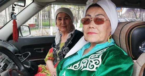 """""""Таксист-апа"""": 66-летняя бабушка удивляет жителей третьего мегаполиса"""
