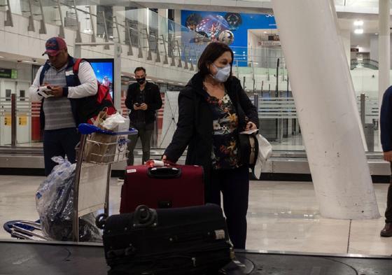 Зараженную коронавирусом пустили на рейс со здоровыми людьми