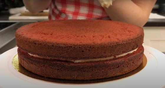 Коржи для торта Красный бархат с кремом