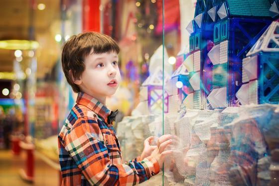 С какого возраста можно доверять ребенку деньги