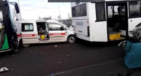 Три автобуса столкнулись в Нур-Султане