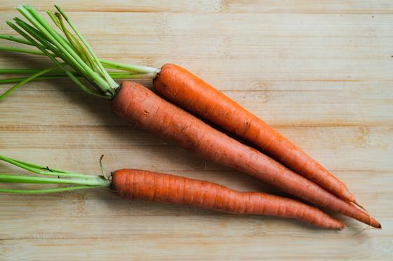 Морковь на столе