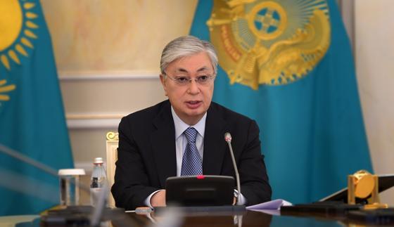 Токаев заявил, что акимы и министры игнорируют жалобы людей