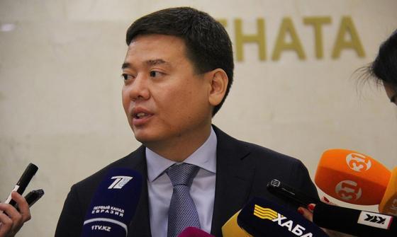 Бекетаев предложил не наказывать за нарушения сроков регистрации прав на имущество