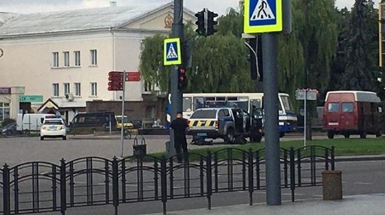 """Террорист потребовал у первых лиц Украины признать, что они """"террористы в законе"""""""
