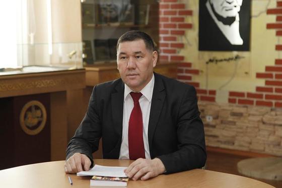 Почему учебники по истории Казахстана написаны с ошибками, объяснил их автор