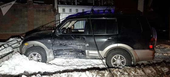 Электричество пришлось отключить из-за аварии двух джипов в Алматы (фото)