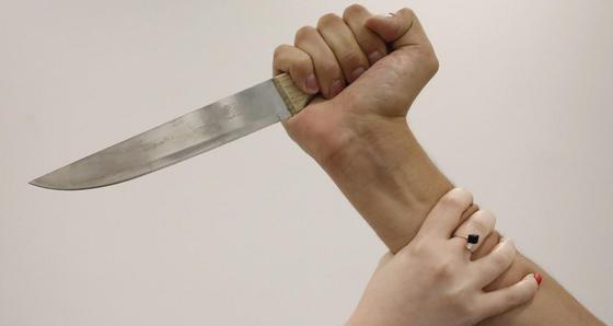 Нанес 8 ножевых: появилась информация о нападении на женщину в Нур-Султане
