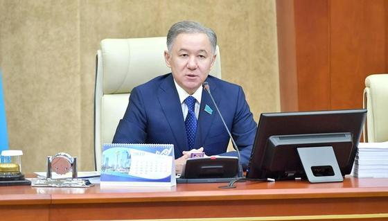 Нурлан Нигматулин подвел итоги работы Мажилиса в рамках четвертой сессии
