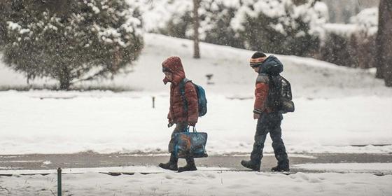 Школьные занятия отменили из-за мороза в нескольких городах Казахстана