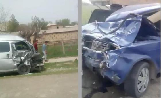 Автомобиль столкнулся с микроавтбусом: два человека погибли в ДТП в Туркестанской области