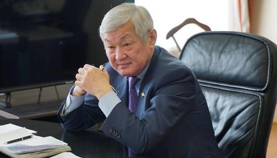 Сапарбаев намерен уменьшить количество получателей соцпомощи