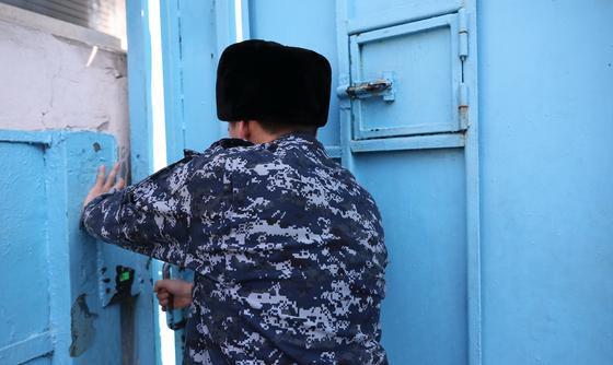 Брата криминального авторитета Рыжего Алмаза посадили в Алматы