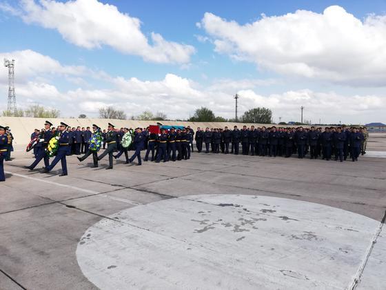 Крушение МИ-8: в Шымкент доставили останки майора Сабыра Токбаева