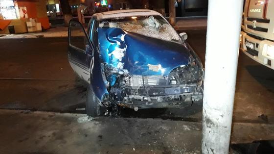 Мгновенная карма: два человека попали в ДТП на угнанной машине в Алматы (фото)