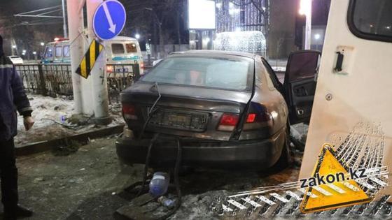 Смертельное ДТП произошло в центре Алматы (фото, видео)