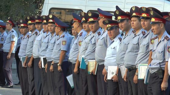 Токаев подписал указ о внеочередной аттестации полицейских