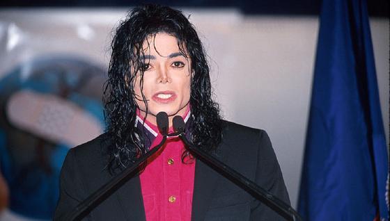 """Суд разрешил героям фильма """"Покидая Неверленд"""" судиться с компаниями Майкла Джексона"""