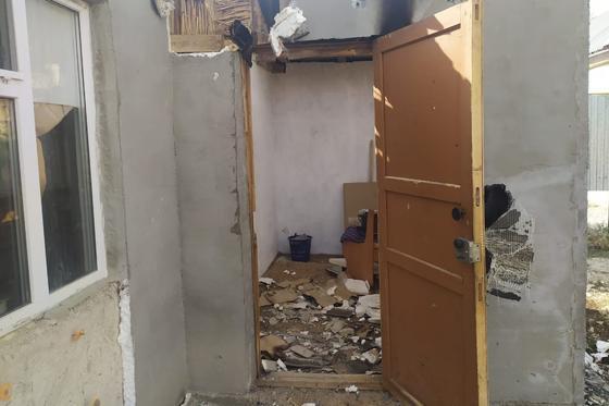 Мужчина пытался сжечь заживо бывшую жену и дочь в Уральске