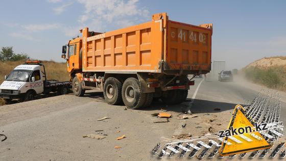 От авто ничего не осталось: 5 человек погибли в ДТП на трассе Алматы - Бишкек (фото, видео)