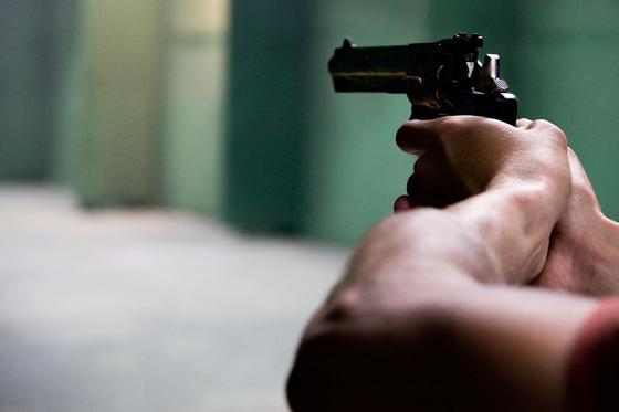 Случайный прохожий попал под обстрел в Жезказгане