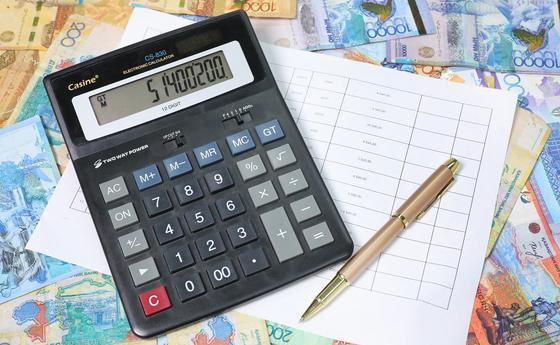 """Выплата произведена на 100%"": Абилдаев ответил на слухи о невыплате медикам доплат"