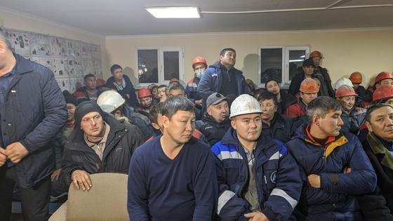 Шахтеры: Строительство новых станций метро в Алматы все еще под угрозой срыва (фото)