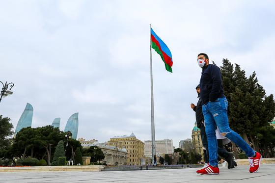 Азербайджанцы массово захотели пойти в армию на фоне конфликта с Арменией