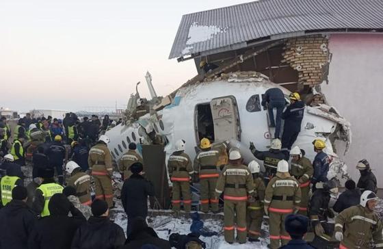 Причиной крушения самолета в Алматы мог стать отказ двигателя