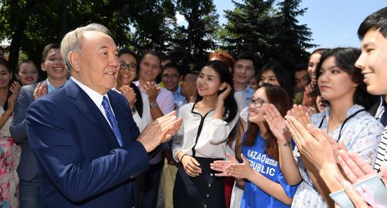 Финансовое сообщество Казахстана пожелало скорейшего выздоровления Назарбаеву