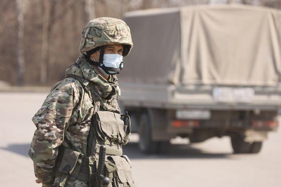ТЖ режимі кезінде тартылған әскерилер және техника тұрақты бөлімдеріне оралады